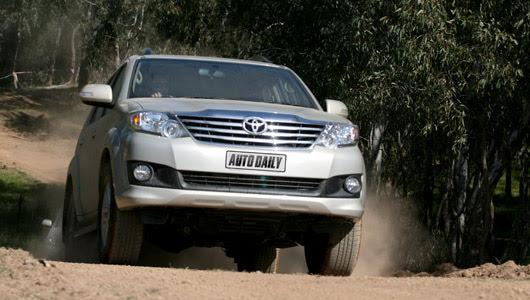 Toyota Fortuner V 2WD 2012 - Từ núi, xuống phố - Hình 13