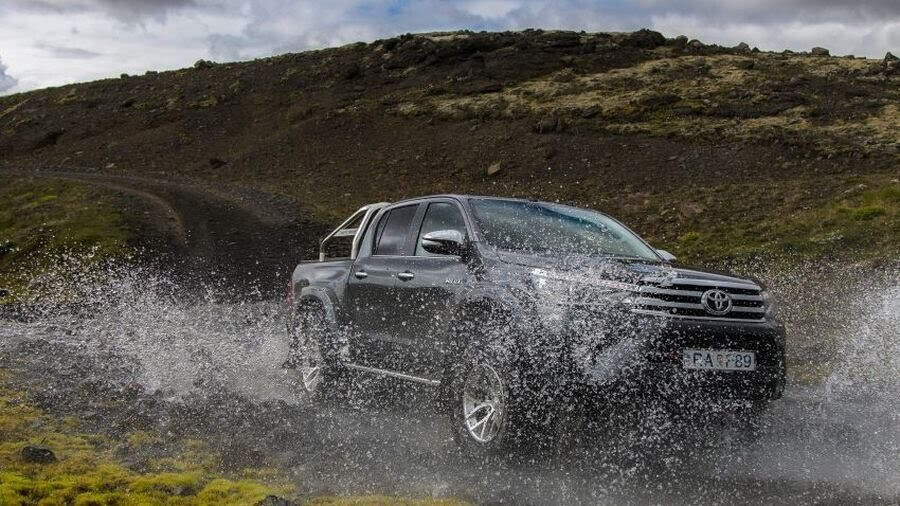 Toyota giới thiệu phiên bản Hilux Arctic Trucks AT35 mới - Hình 4