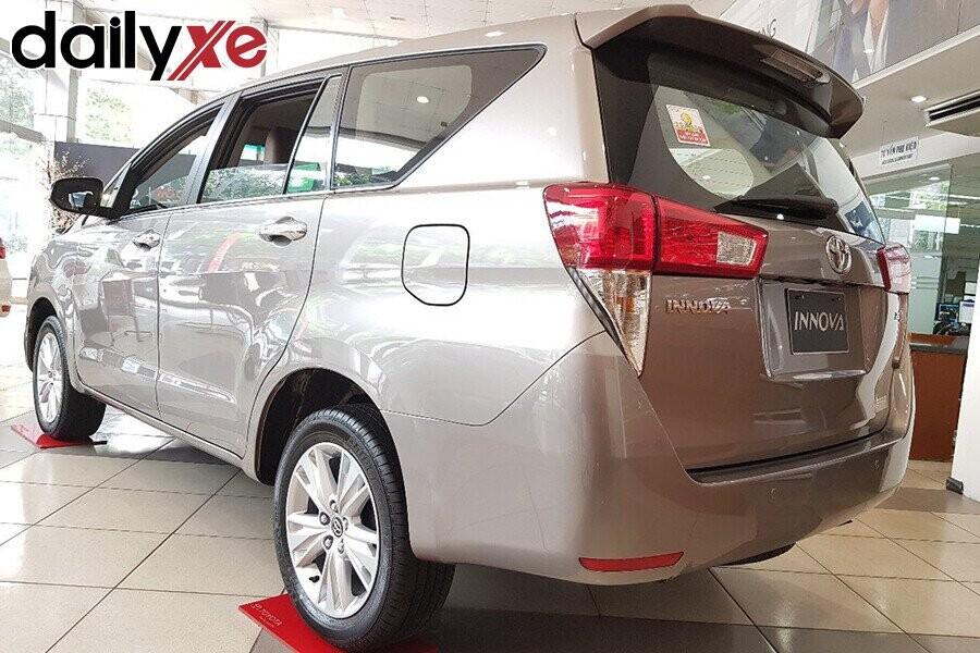 Toyota Innova - Hình 4
