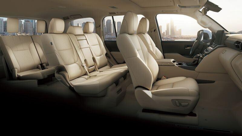 toyota-land-cruiser-2022-trinh-lang-voi-nhieu-thay-doi-bat-ngo-khong-chi-la-binh-cu-ruou-moi