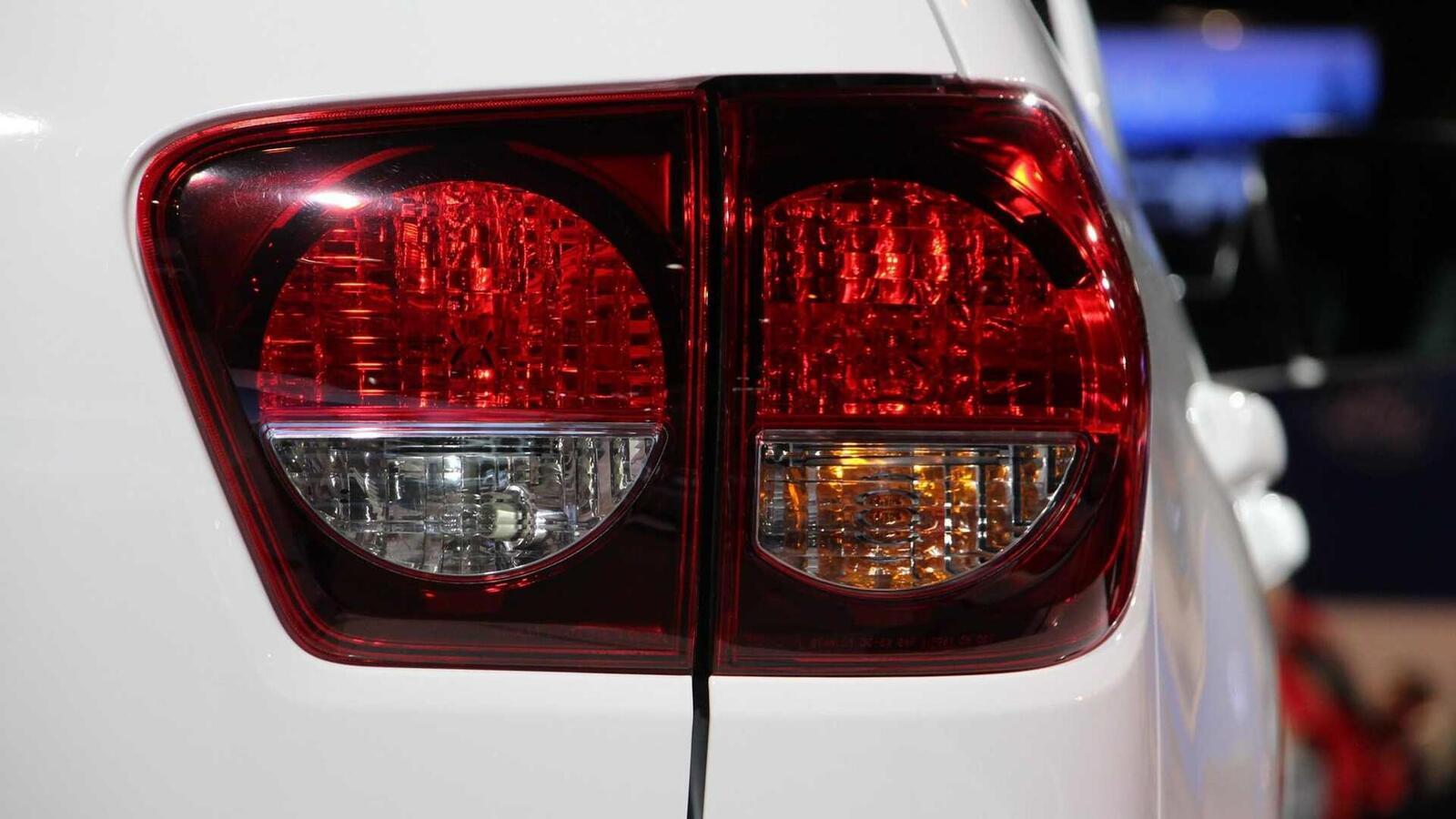 Toyota Sequoia TRD Pro 2020 ra mắt; trang bị phuộc FOX cải thiện khả năng vận hành - Hình 11