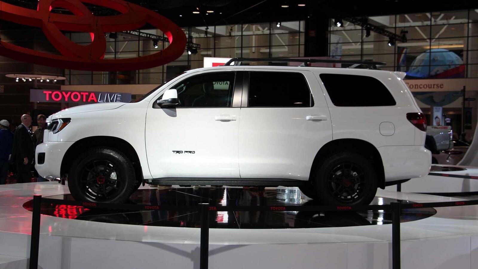 Toyota Sequoia TRD Pro 2020 ra mắt; trang bị phuộc FOX cải thiện khả năng vận hành - Hình 7