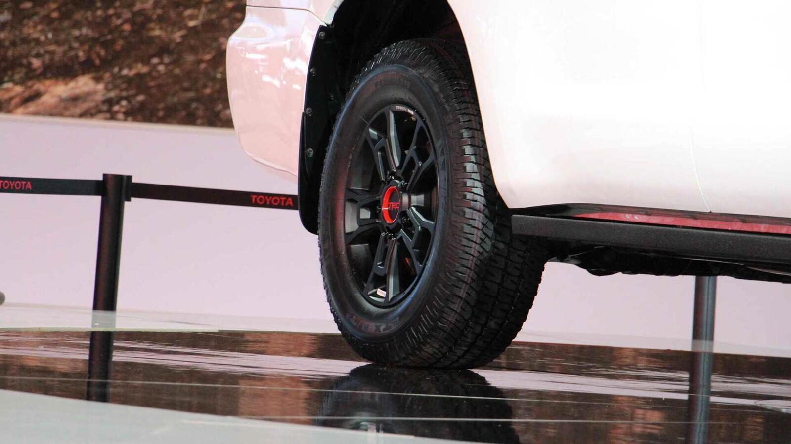 Toyota Sequoia TRD Pro 2020 ra mắt; trang bị phuộc FOX cải thiện khả năng vận hành - Hình 9