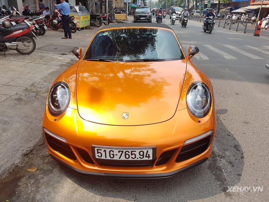 TPHCM: Diện kiến hàng hiếm Porsche 911 Targa 4 GTS với màu sơn lạ