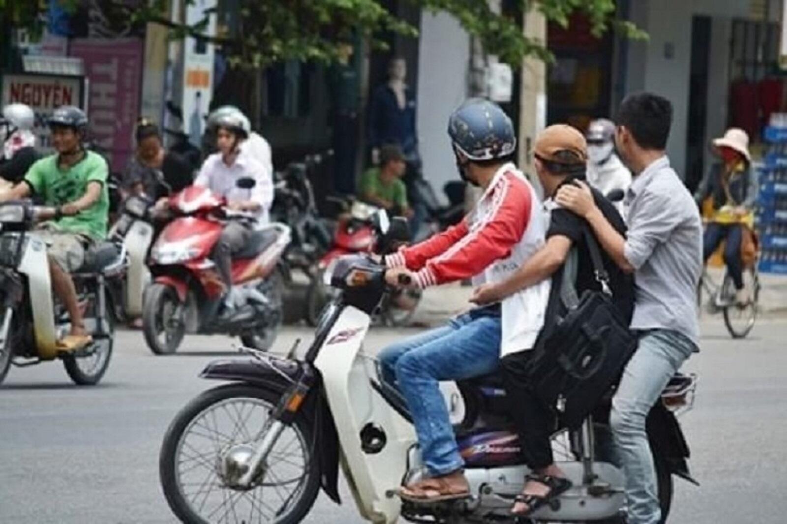 truong-hop-nao-duoc-kep-3-khi-dieu-khien-xe-may-1.jpg