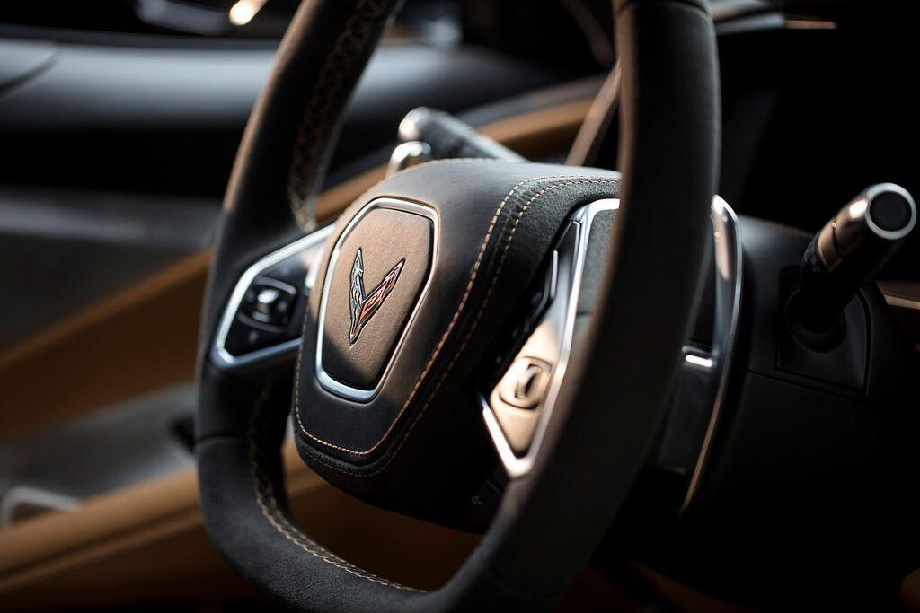 tu-0-len-96-km-h-chi-trong-2-9-giay-corvette-c8-2020-chinh-xac-la-chiec-stingray-khong-co-doi-thu