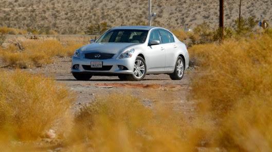Tự lái Infiniti G37 xuyên qua sa mạc Nevada, nước Mỹ - Hình 2
