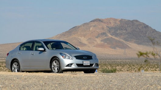Tự lái Infiniti G37 xuyên qua sa mạc Nevada, nước Mỹ - Hình 27