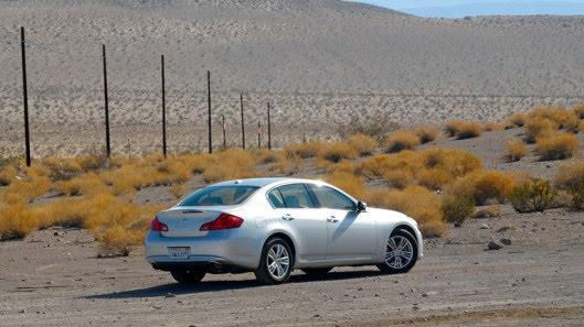 Tự lái Infiniti G37 xuyên qua sa mạc Nevada, nước Mỹ - Hình 30