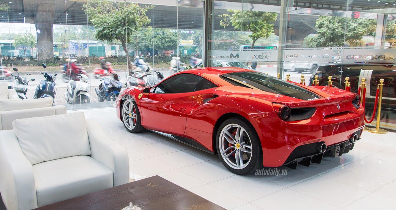 """Tuấn Hưng chi hơn 100 triệu đồng """"làm đẹp"""" siêu xe Ferrari 488 GTB - Hình 2"""
