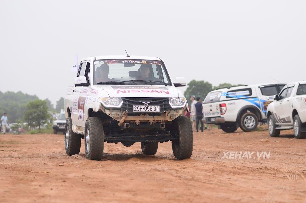 UAZ Pickup trổ tài vượt hố bùn lầy lội tại VOC 2017 - Hình 8