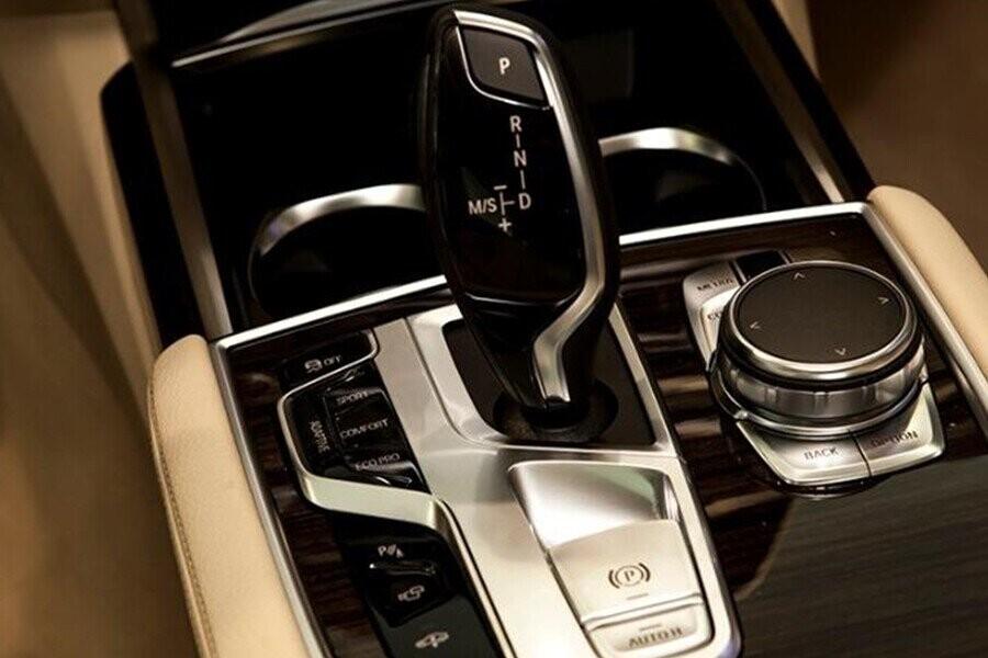 Hộp số tự động và Hệ thống chuyển đổi chế độ vận hành Driving Experience Control