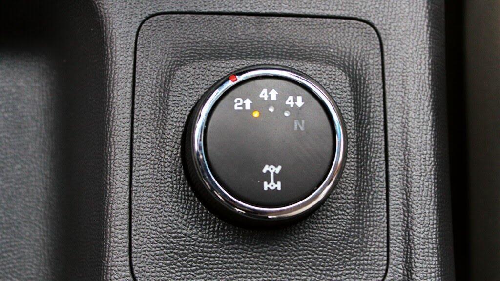 Tuỳ chỉnh dẫn động 4 bánh 4WD tiện lợi và hiệu quả.