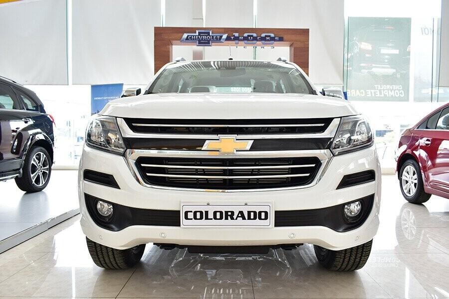 Động cơ Turbo Diesel Duramax mang tới cho xe khả năng chinh phục mọi cung đường