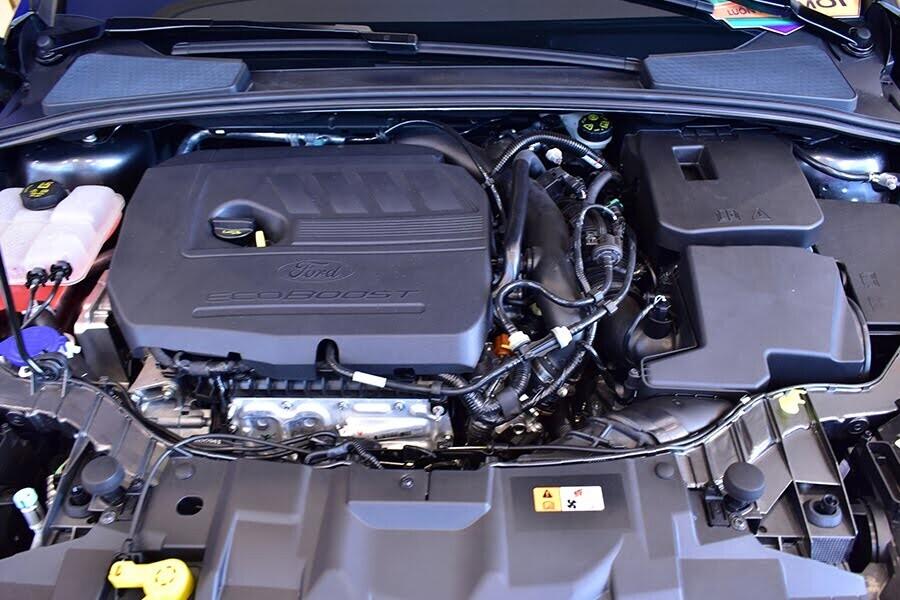 Trang bị động cơ Ecoboost 1.5L GTDi mạnh mẽ