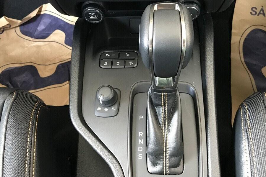Vận hành Ford Ranger Wildtrak 2.0L AT 4X2 - Hình 2