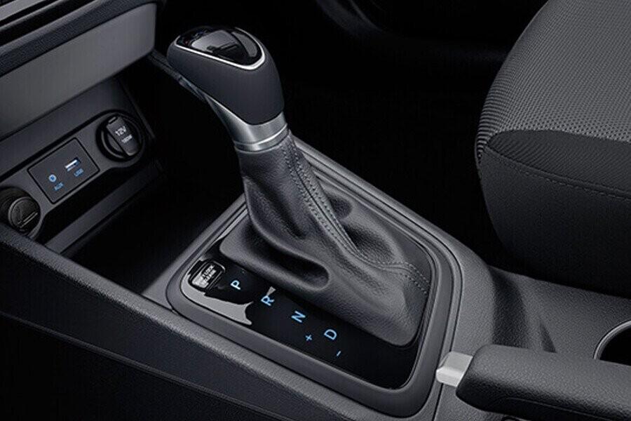 Vận hành Hyundai Accent 1.4 AT Đặc Biệt - Hình 2