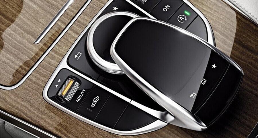 van-hanh-mercedes-benz-c250-exclusive-05.jpg