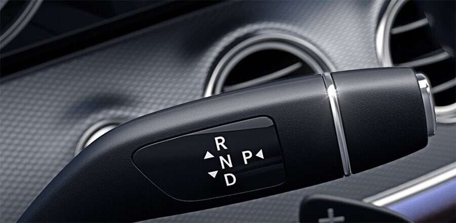 van-hanh-mercedes-benz-e200-03.jpg