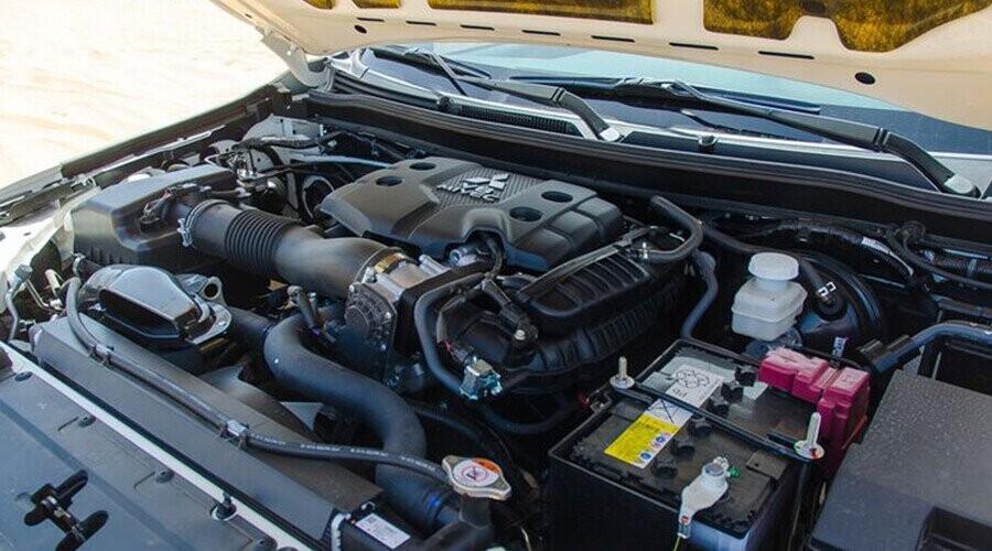 Pajero Sport động cơ vận hành mạnh mẽ