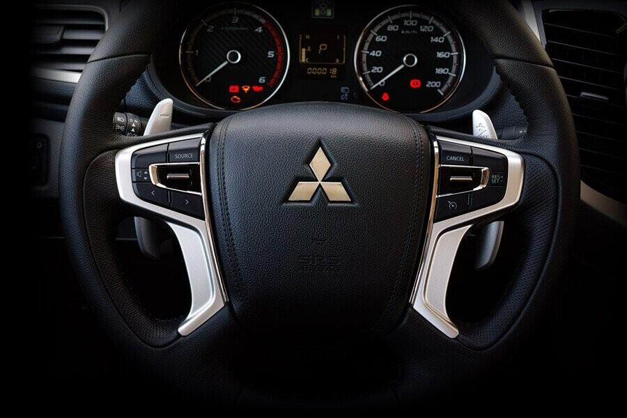 Vô lăng Mitsubishi Triton 4x2 MT