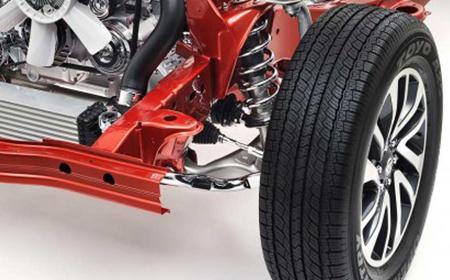 Xe được trang bị hệ thống treo sau đa điểm
