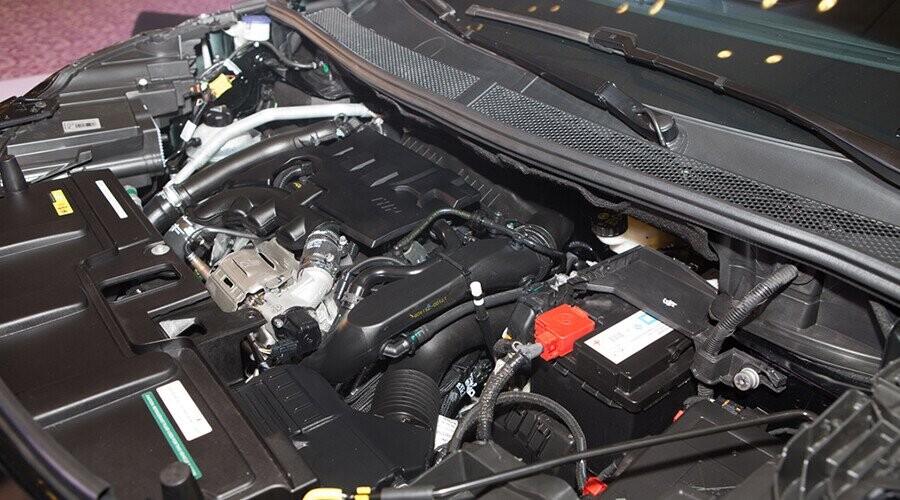 Động cơ Peugeot 5008 vận hành mạnh mẽ