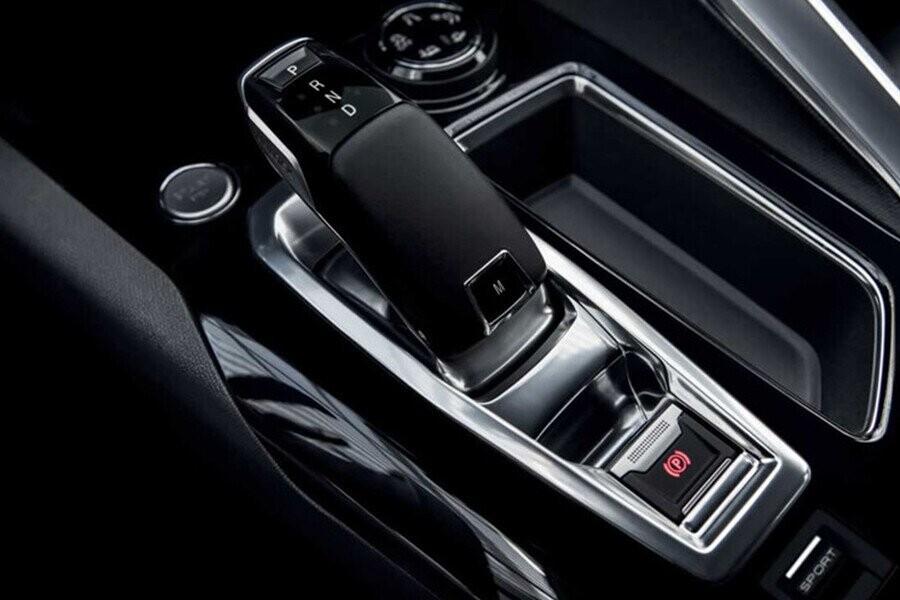 Hộp số tự động 6 cấp EAT6. Kếthợp với động cơ 1.6L THP 165 mã lực