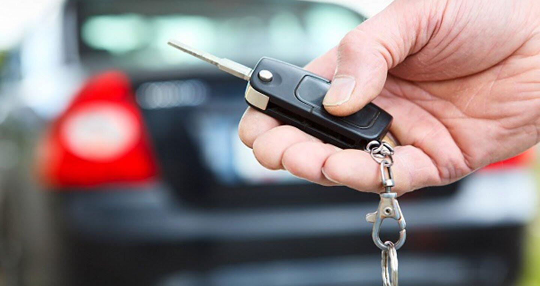 Vay mua ôtô: Chủ xe cầm giấy tờ gốc, nhà băng sợ ăn quả lừa - Hình 1