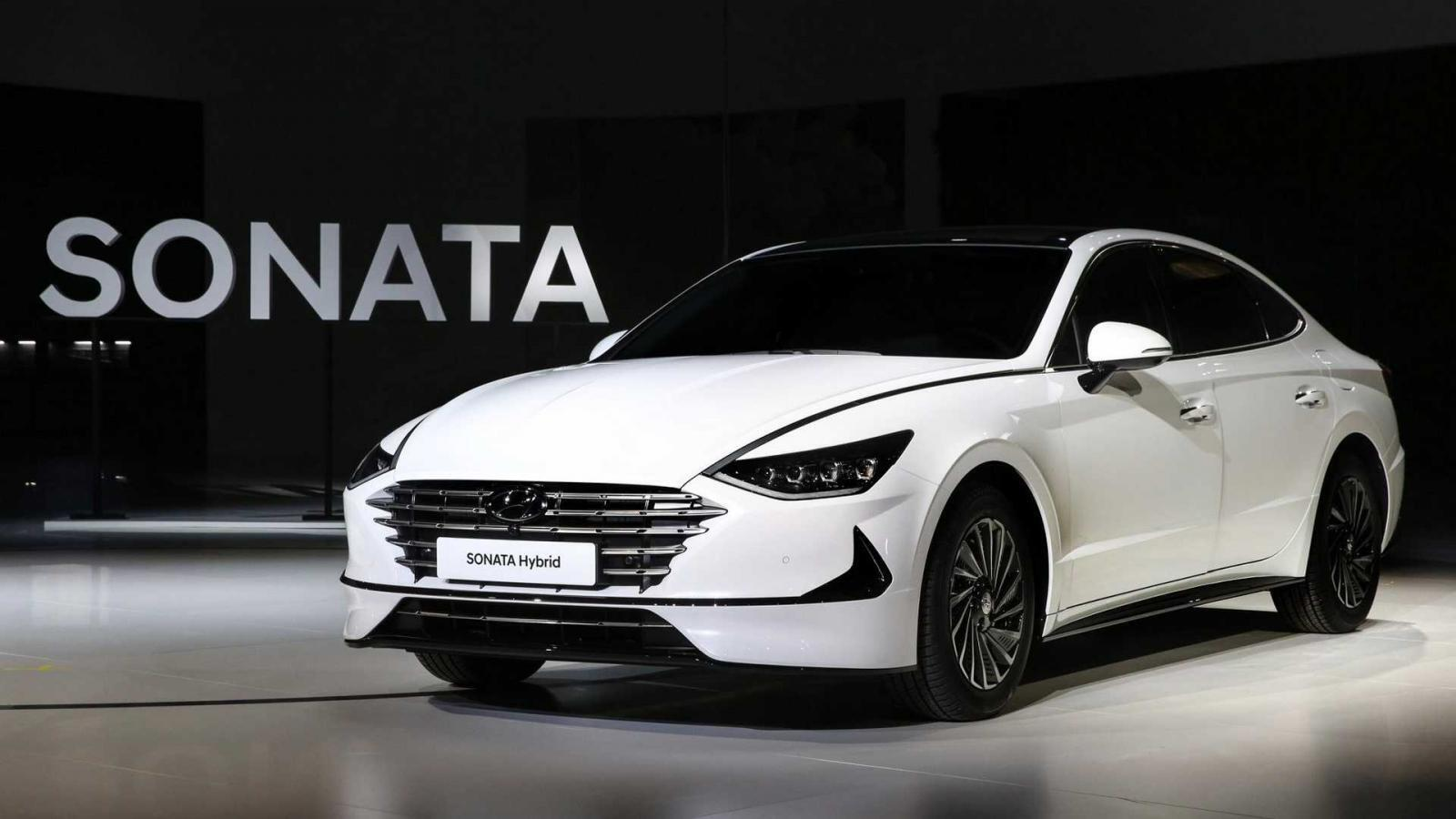 ven-man-hyundai-sonata-16-turbo-2020-voi-dong-co-manh-me-va-thiet-ke-the-thao-6.jpg