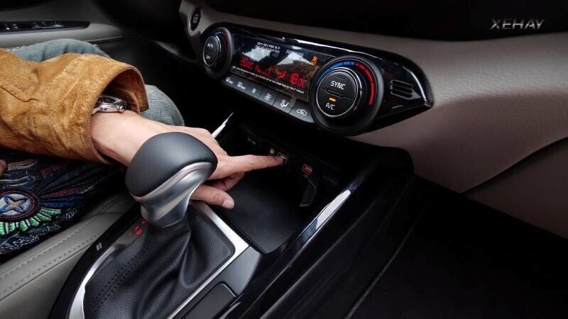 [VIDEO] Chi tiết xe KIA Cerato 2019 bản 1.6 Deluxe giá 635 triệu - Hình 4