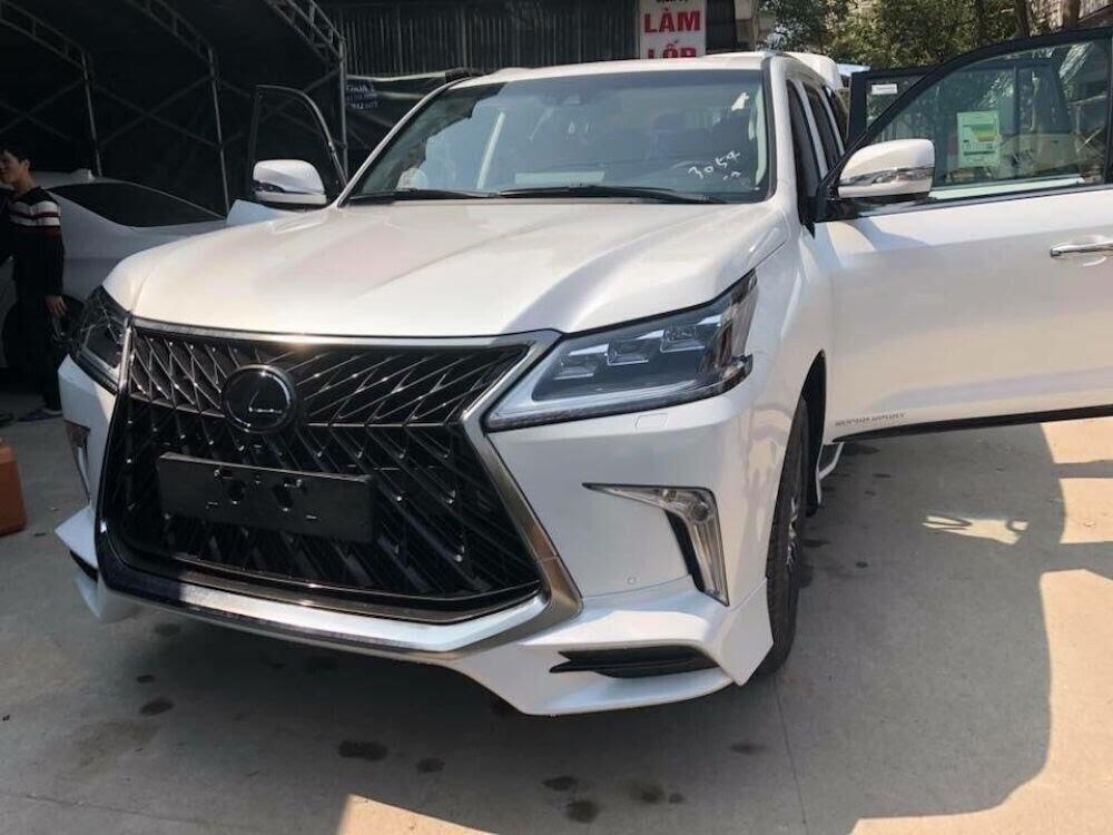 Việt Nam hiện sở hữu 3 chiếc Lexus LX570 Super Sport 2018 - Hình 4