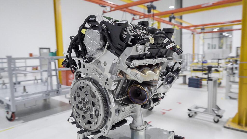 VinFast và hành trình 21 tháng xây dựng nhà máy ô tô Việt Nam đầu tiên - Hình 2