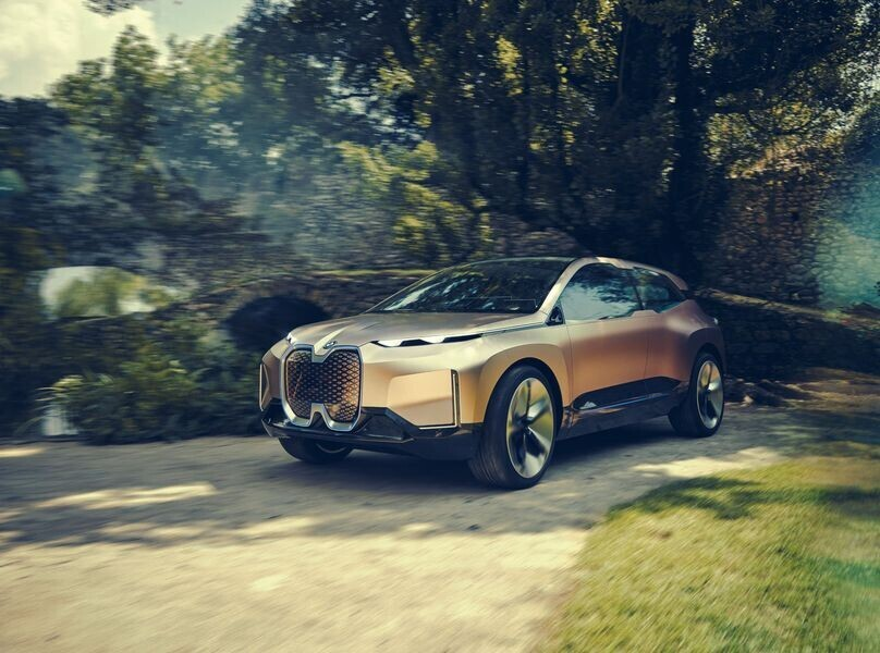 Vison iNext concept - SUV điện tương lai của BMW chính thức được vén màn - Hình 1