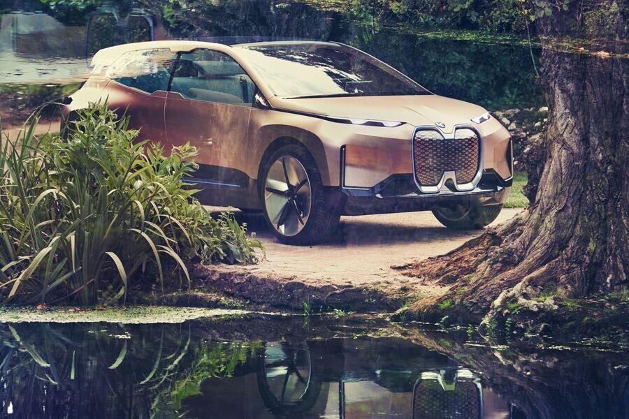 Vison iNext concept - SUV điện tương lai của BMW chính thức được vén màn - Hình 2
