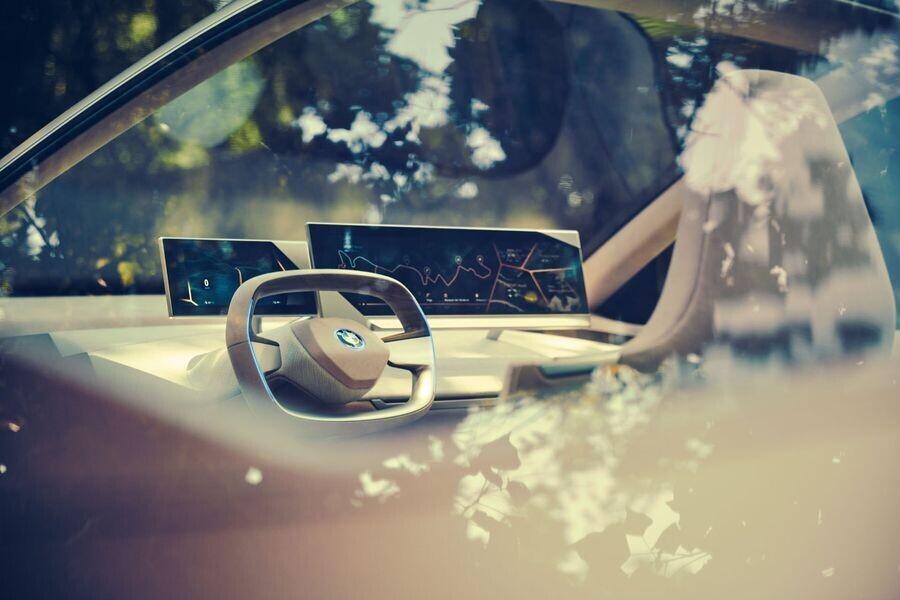 Vison iNext concept - SUV điện tương lai của BMW chính thức được vén màn - Hình 5
