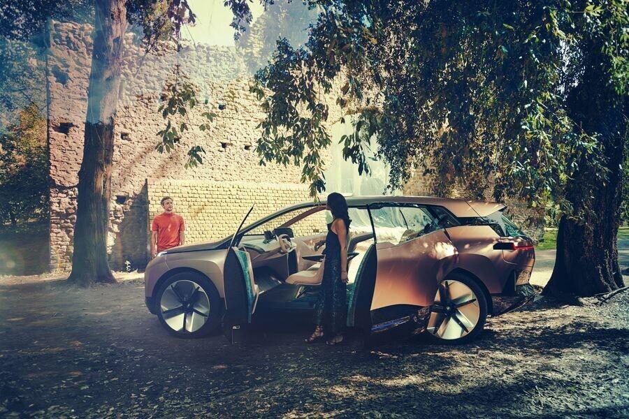 Vison iNext concept - SUV điện tương lai của BMW chính thức được vén màn - Hình 6