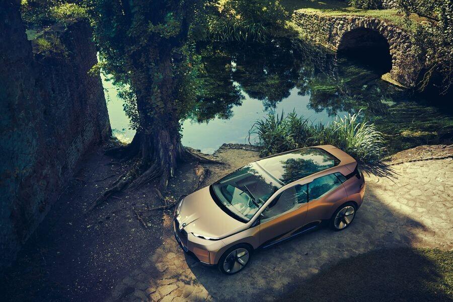 Vison iNext concept - SUV điện tương lai của BMW chính thức được vén màn - Hình 8