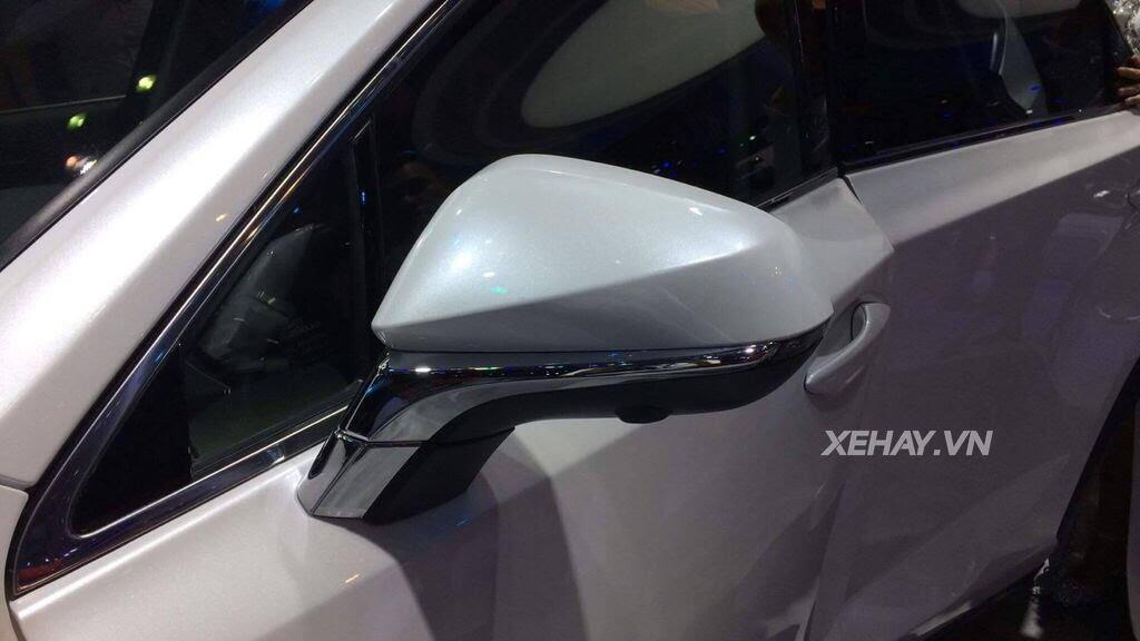 [VMS 2017] Chiêm ngưỡng vẻ đẹp khỏe khoắn, hiện đại của Lexus NX300 2018 - Hình 2