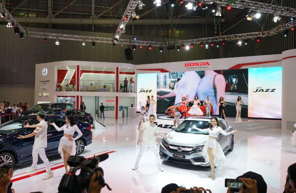 [VMS 2017] Hơn 80 mẫu xe đã có mặt tại Triển lãm Ô tô Việt Nam lần thứ 13 - Hình 6
