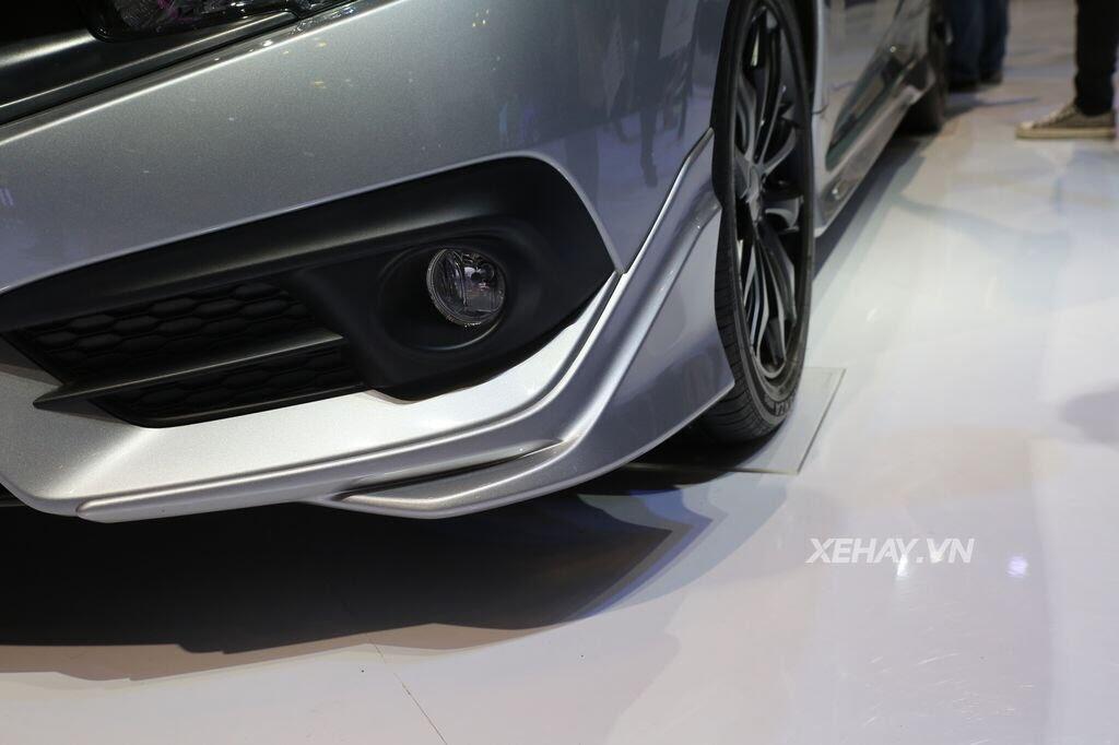 [VMS 2017] Honda Civic Turbo nổi bật nhờ gói độ chính hãng Modulo - Hình 2