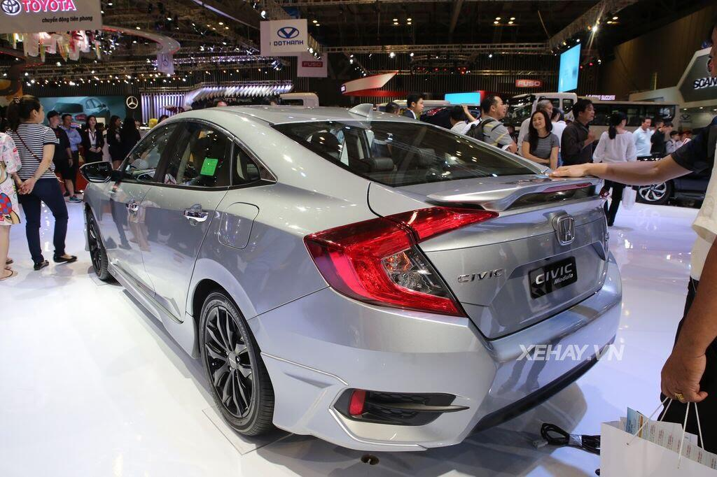 [VMS 2017] Honda Civic Turbo nổi bật nhờ gói độ chính hãng Modulo - Hình 5