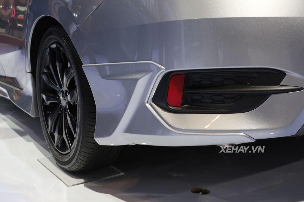 [VMS 2017] Honda Civic Turbo nổi bật nhờ gói độ chính hãng Modulo - Hình 9