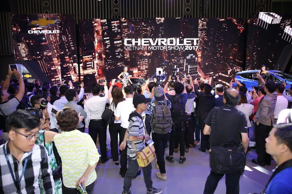 [VMS 2017] Khám phá gian hàng Chevrolet tại Triển lãm Ô tô Việt Nam lần thứ 13 - Hình 1