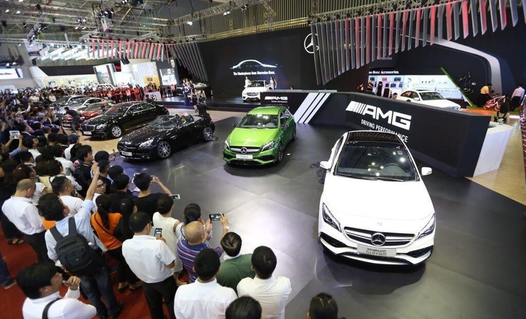 [VMS 2017] Mercedes sẽ trang bị hộp số 9G-TRONIC cho toàn bộ C-Class mới - Hình 1