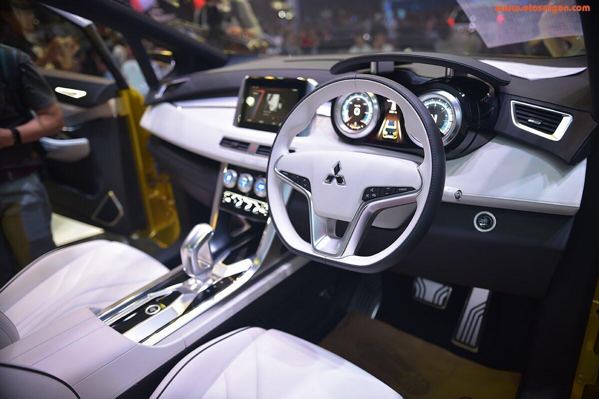 [VMS 2017] Mitsubishi trình làng XM Concept - xe SUV lai MPV - Hình 4