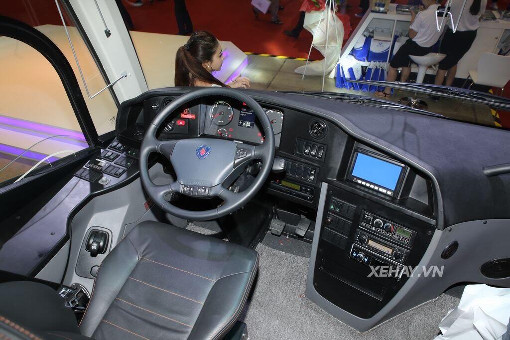 [VMS 2017] Soi chi tiết xe khách hạng sang Scania A50 của Đô Thành Auto - Hình 4