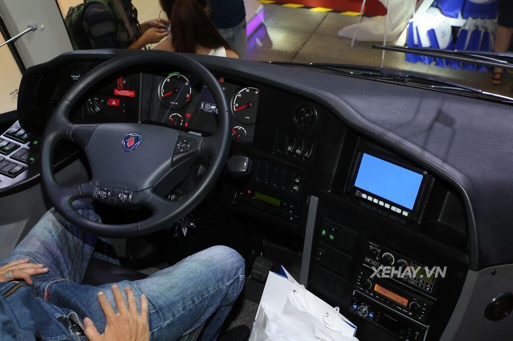 [VMS 2017] Soi chi tiết xe khách hạng sang Scania A50 của Đô Thành Auto - Hình 6