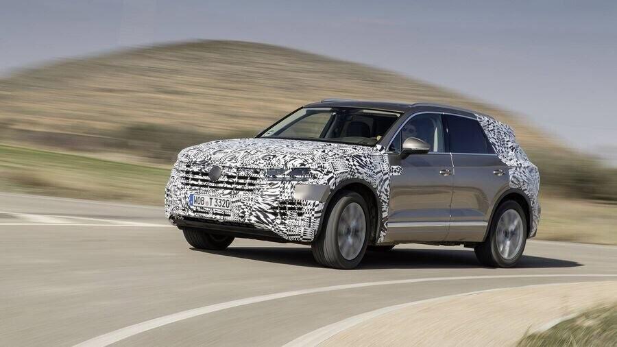 Volkswagen công bố hình ảnh nội thất của Touareg 2019 - Hình 1