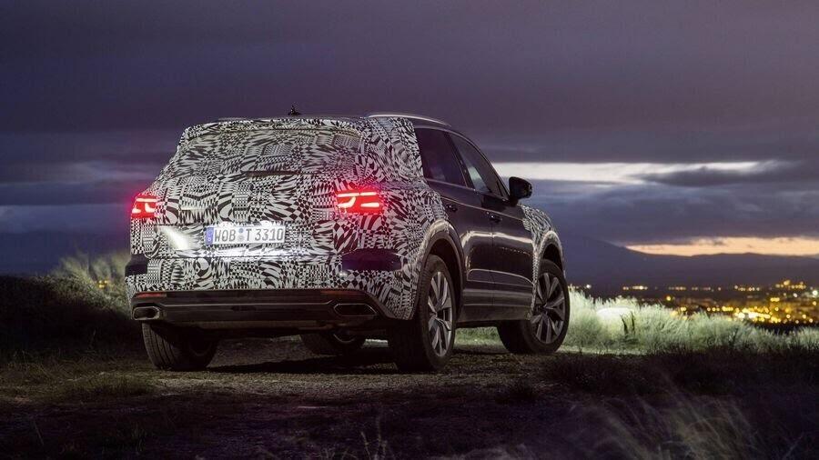 Volkswagen công bố hình ảnh nội thất của Touareg 2019 - Hình 5